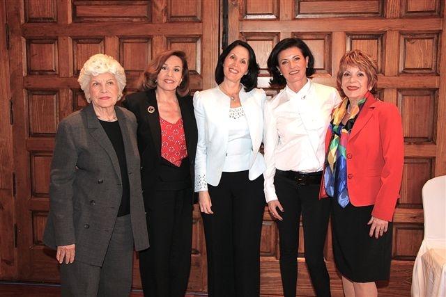Fela Fábregas, Kena Moreno, Linda Flores, Gaby Vargas y Linda Flores