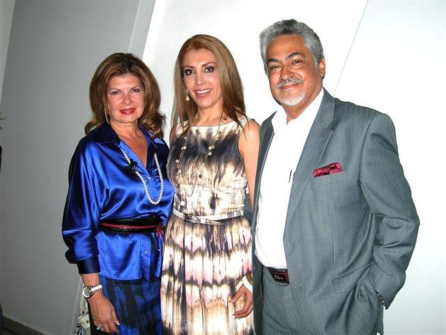 Jannette Klein, Vicky Benítez y Raúl Del Castillo