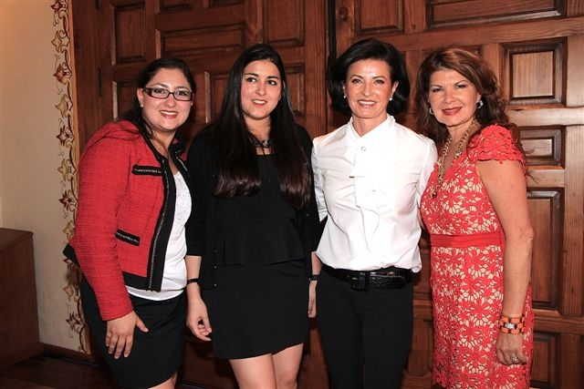 Michelle Reyes, Nicolle Reyes, Gaby Vargas y Janette Klein
