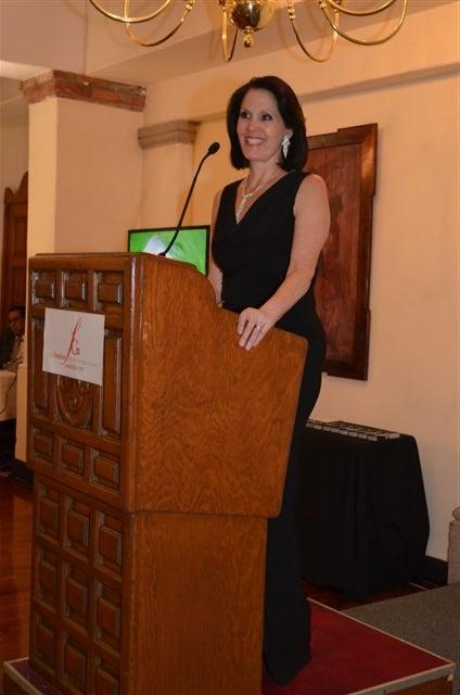 Linda Flores, Directora de Fashion Group