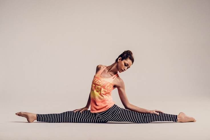 2Fotografía por Carlos Serrao - Tara Stiles presenta Reebok Yoga
