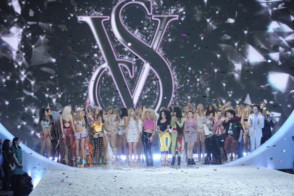 Glitz-Victoria s Secret 8