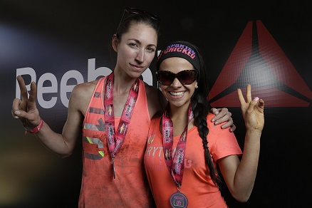 Tara Stiles, Embajadora Reebok yoga y Miryam Morales en la Spartan Race Chicked