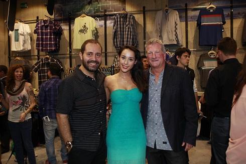 Eduardo Araiza, Debora Comba y Bob McKnight