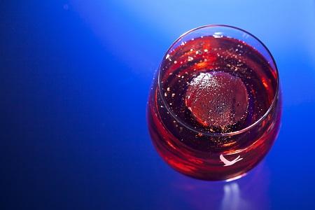 glass_ice_red_liquid